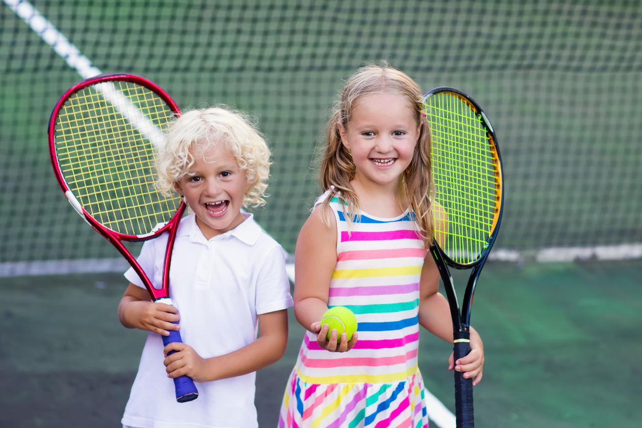 Kids-playing-tennis